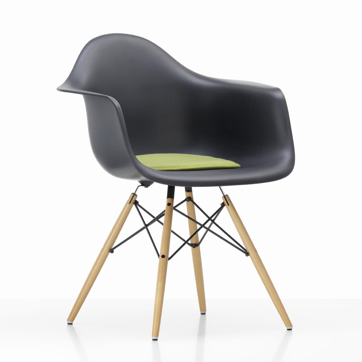 seat dots sitzkissen von vitra. Black Bedroom Furniture Sets. Home Design Ideas