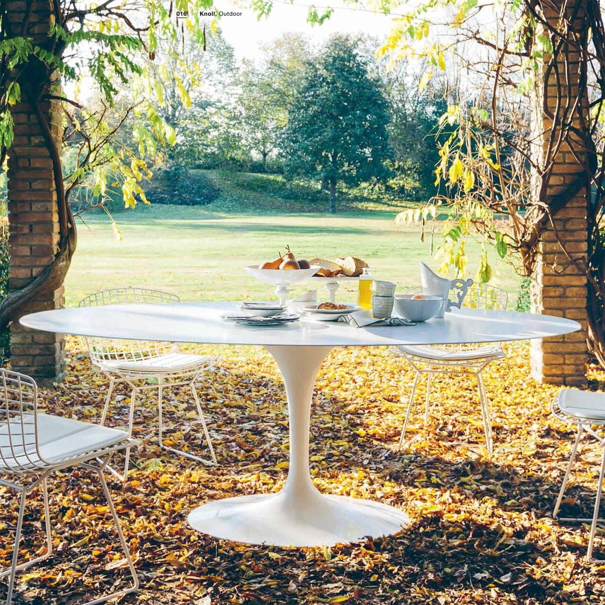 saarinen outdoor tisch von knoll bei. Black Bedroom Furniture Sets. Home Design Ideas