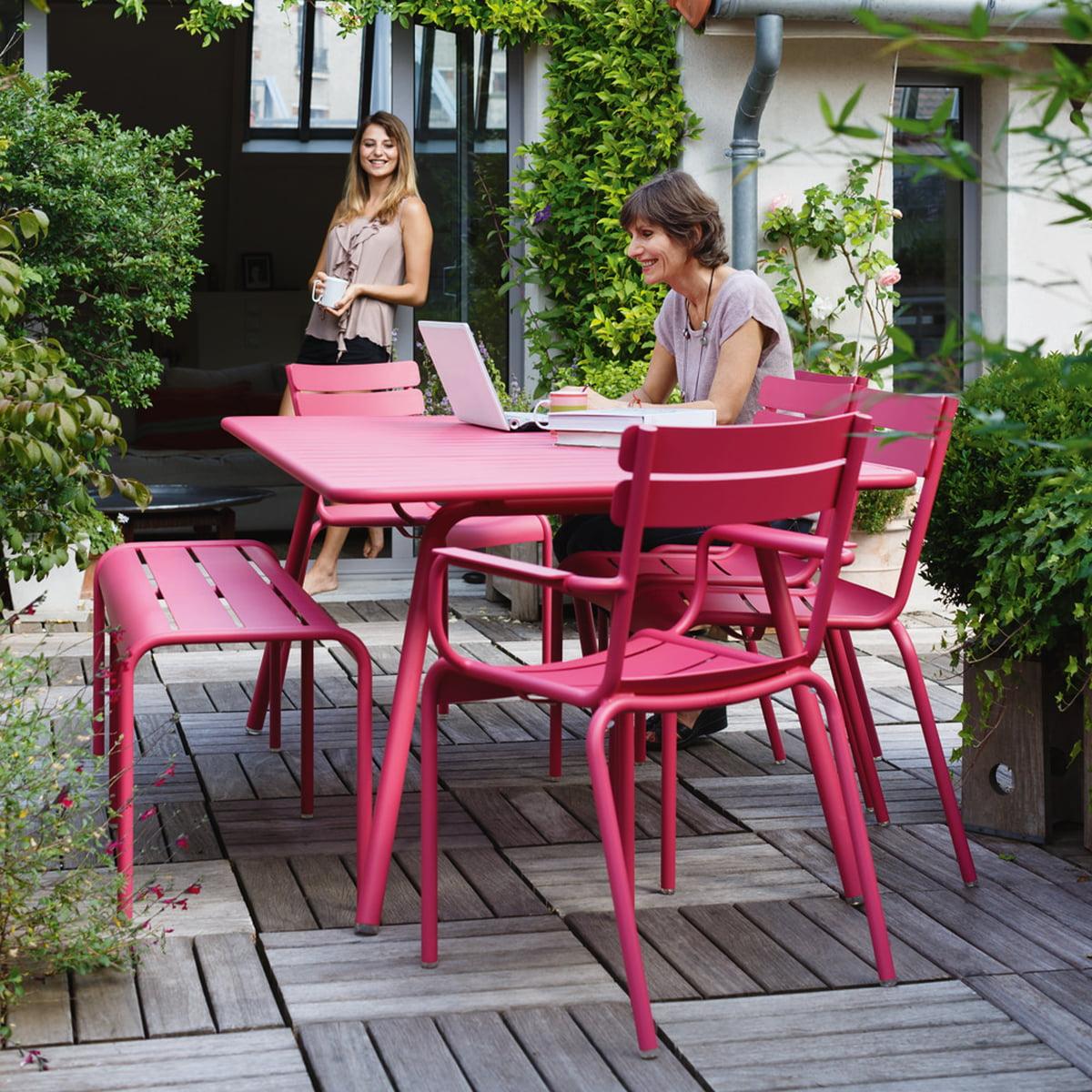 luxembourg gartentisch von fermob. Black Bedroom Furniture Sets. Home Design Ideas