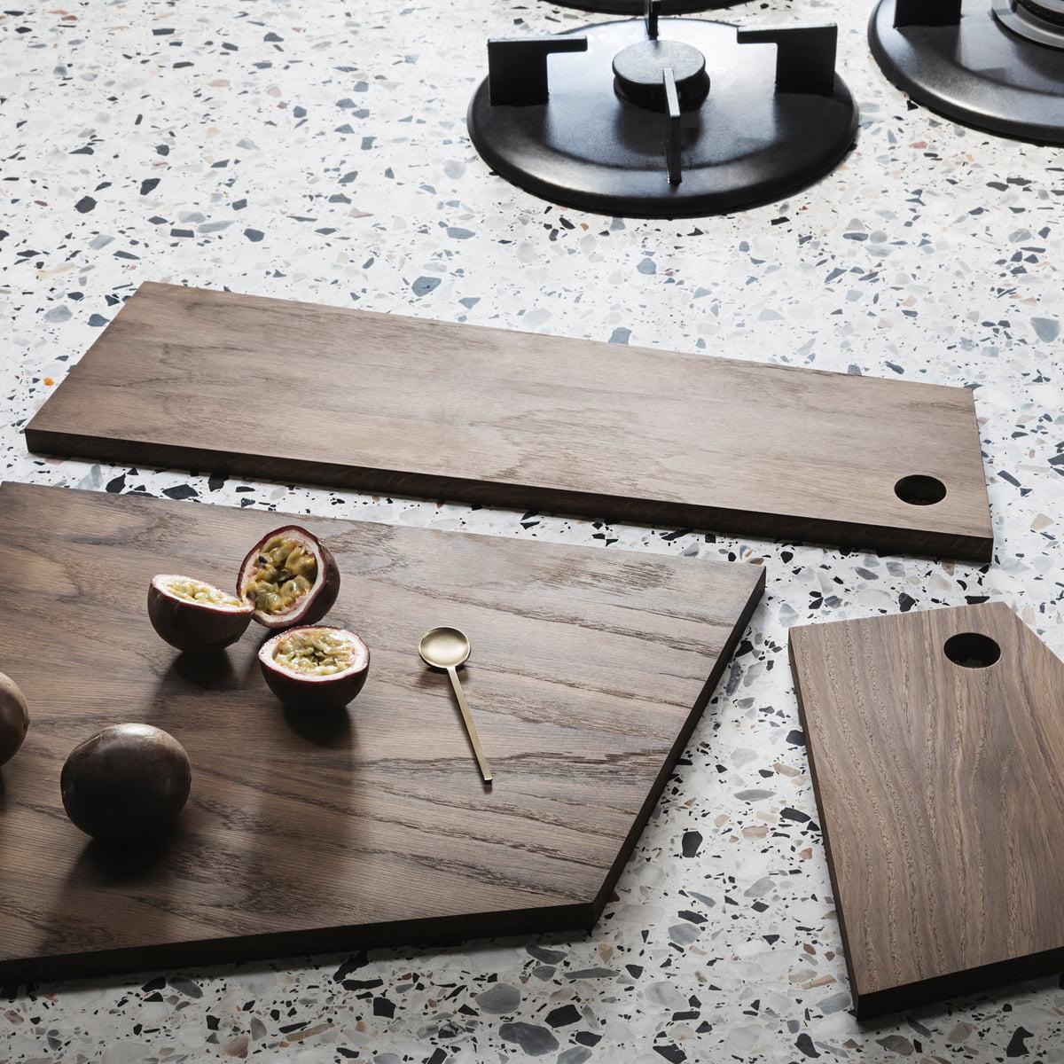 asymmetric schneidebrett von ferm living. Black Bedroom Furniture Sets. Home Design Ideas