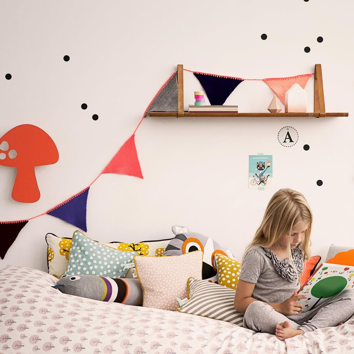 snake kissen von ferm living. Black Bedroom Furniture Sets. Home Design Ideas