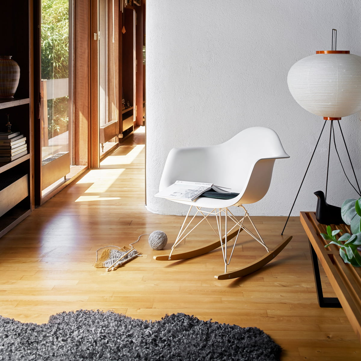 eames rar schaukelstuhl von vitra. Black Bedroom Furniture Sets. Home Design Ideas