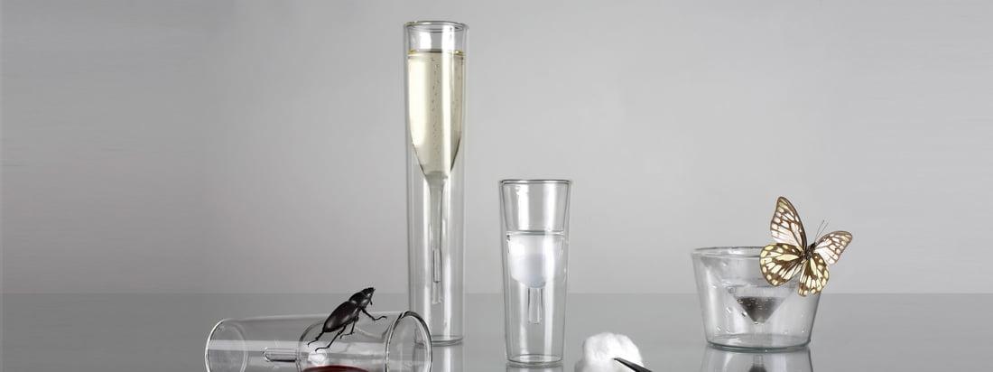 Die Gläser von Charles & Marie heben sich von den Designs gewöhnlicher Gläser ab. Das InsideOut Champagner Glas und das Martini Glas wurden optisch von Innen nach Außen gekrempelt.
