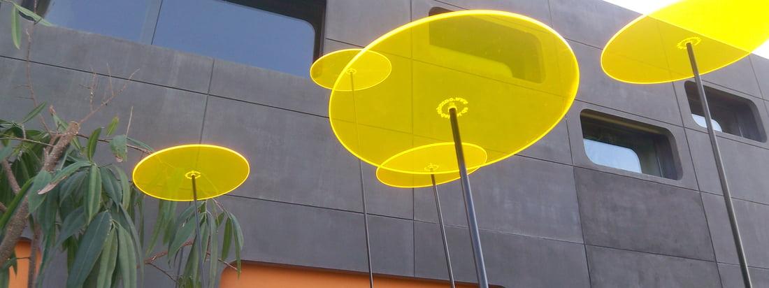 Die Marke Cazador Del Sol stellt bunte Sonnenfänger aus Plexiglas her. Die bunten Farben leuchten, auch wenn die Sonne gerade nicht scheint. Hier im Shop erhältlich.