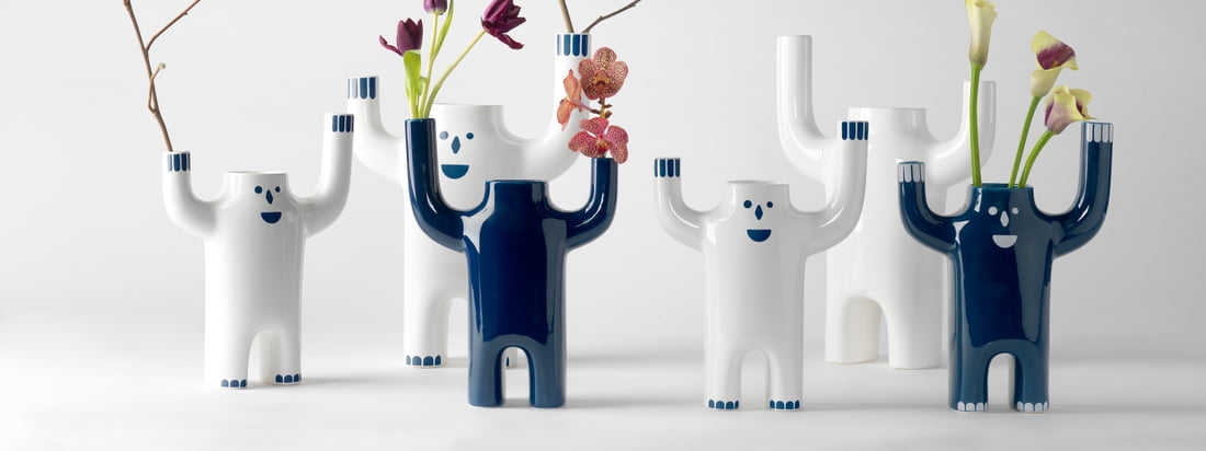 """BD Barcelona ist ein Design-Unternehmen aus Spanien. Gegründet wurde es 1972 unter dem Namen """"Bd Ediciones de Diseño"""" von den Designern und Innenarchitekten Pep Bonet, Cristian Cirici, Lluis Clotet, Mireia Riera and Oscar Tusquets Blanca."""