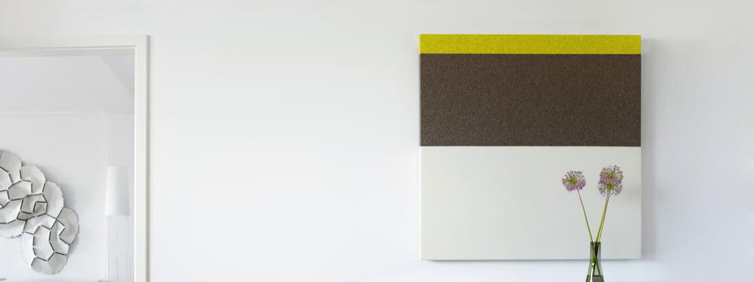 Die Akustikpaneele der Connox-Edition #1 von acousticpearls zeichnen sich durch dezente Farben mit kleinem Farbakzent im Streifen-Design aus. Die Paneele sind quadratisch und haben die Maße 120x120 cm.