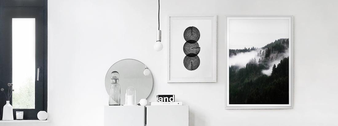 Die schwarz-weißen Poster, Winter Wonderland und Circles von artvoll, als Bildergalerie in der Wohnung von Interior Blogger Alexander Pahr.