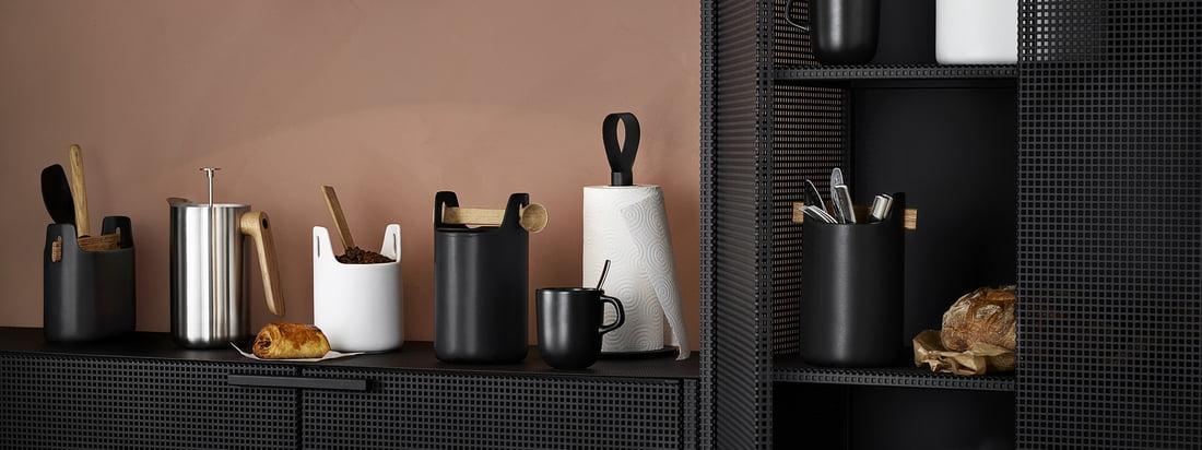 Die Toolbox von Eva Solo in schwarz und weiß in der Ambienteansicht. Mit der Toolbox von Eva Solo lässt sich auf stilvolle Weise in jedem Raum Ordnung schaffen.