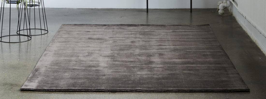 Der Massimo - Earth Bamboo Teppich in der Ambienteansicht. Ob in sattem vibrant blue als Hingucker im Wohnzimmer oder in zartem nougat rose beruhigend im Flur platziert – dank der vielfältigen Auswahl findet sich für jedem Raum das passende Modell.