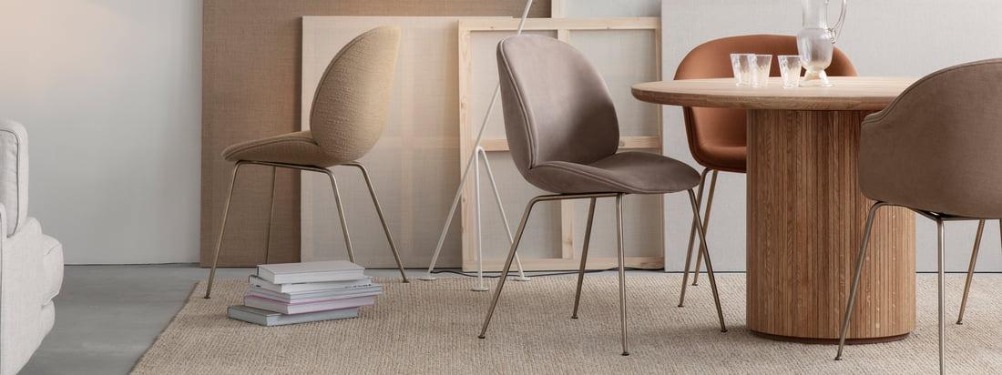 Ob im Büro, Zuhause, ob drinnen oder draußen, ob zum Essen, Entspannen oder Arbeiten: Der Beetle Stuhl verspricht mit seiner stabilen Hülle und seinem weichen und komfortablen Inneren zeitlosen Sitzkomfort.