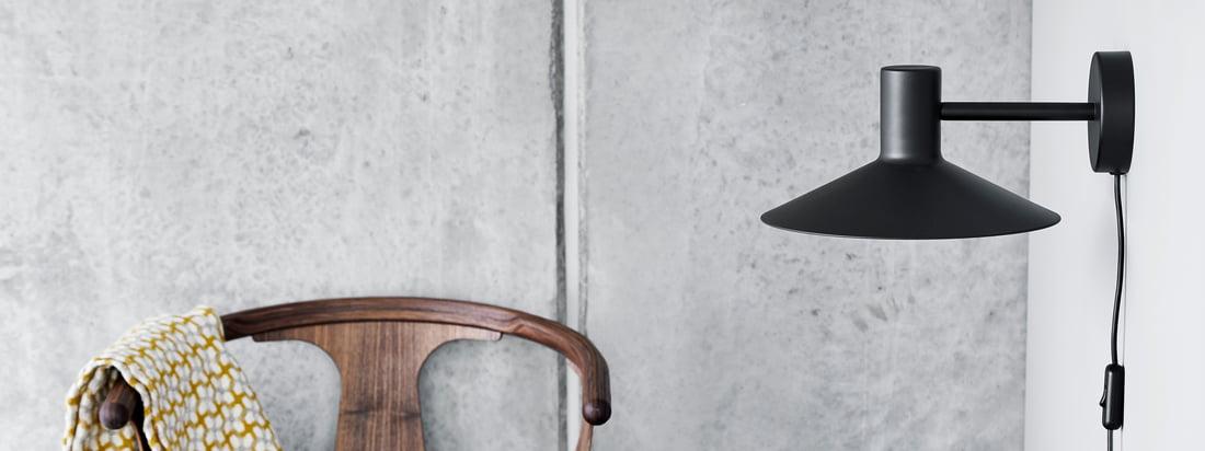 Die Minneapolis Serie von Frandsen begeistert mit ihren einzigartigen, klaren Formensprache. Charakteristisch ist der große und flache Lampenschirm, der fast schon japanisch anmutet.