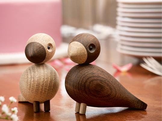 Gefertigt aus naturbelassener und geräucherter Eiche sind die dekorativen Vögel eine Aufwertung für jedes Haus. Auch als Geschenk sind die untrennbaren Vögel ein Highlight für Valentinstag oder Hochzeit.