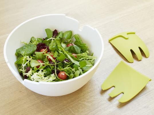 Das Hands On Salatschüssel-Set von Joseph und Joseph vereint Design und Funktionalität. Hands on besitzt ein integriertes Salatbesteck in Form von zwei angedeuteten Händen.