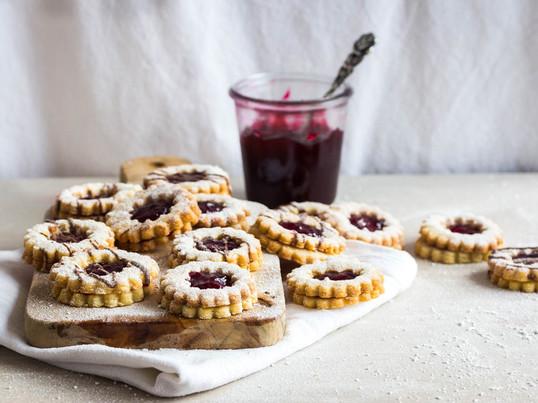 """Mhmm... Bloggerin Ineke vom Blog """"Das Leben ist süß"""" hat für Connox in der Küche gestanden und leckere Weihnachtsplätzchen gezaubert. Den Beitrag dazu findet Ihr auf unserem Blog."""