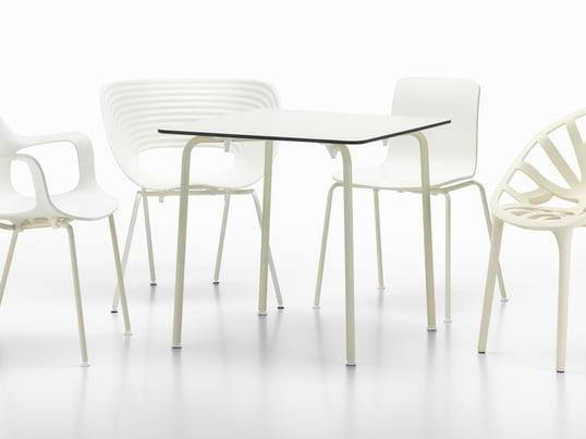Die limitierte White Collection von Vitra legt den Fokus auf Designklassiker und zeitgenössische Stühle und Tische für den Innen- und Außenbereich. Die Möbel kreieren ein Gefühl von Helligkeit und Leichtigkeit.