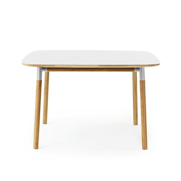 Form Table 120 x 120 cm von Normann Copenhagen aus Eiche in Weiß