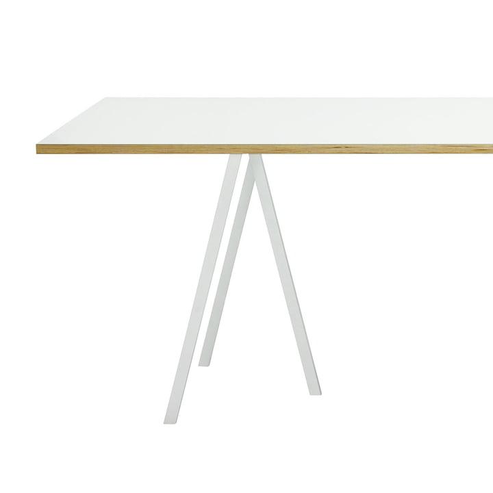 Loop Stand Frame Tischböcke mit weißer Tischplatte von Hay