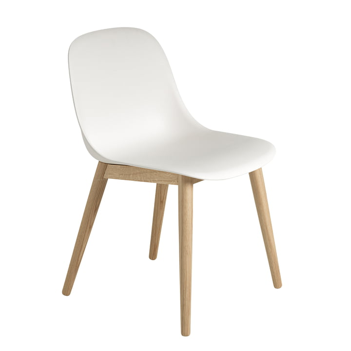 Fiber Side Chair Wood Base von Muuto in Eiche / weiß