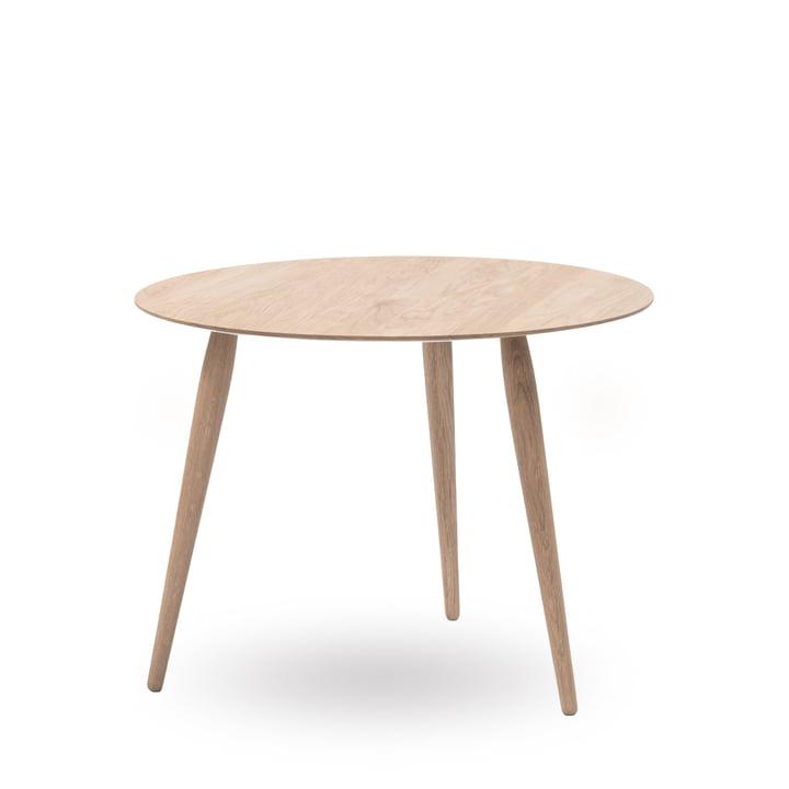 Play Round Wood Beistelltisch Ø 75 cm von bruunmunch in Eiche geseift