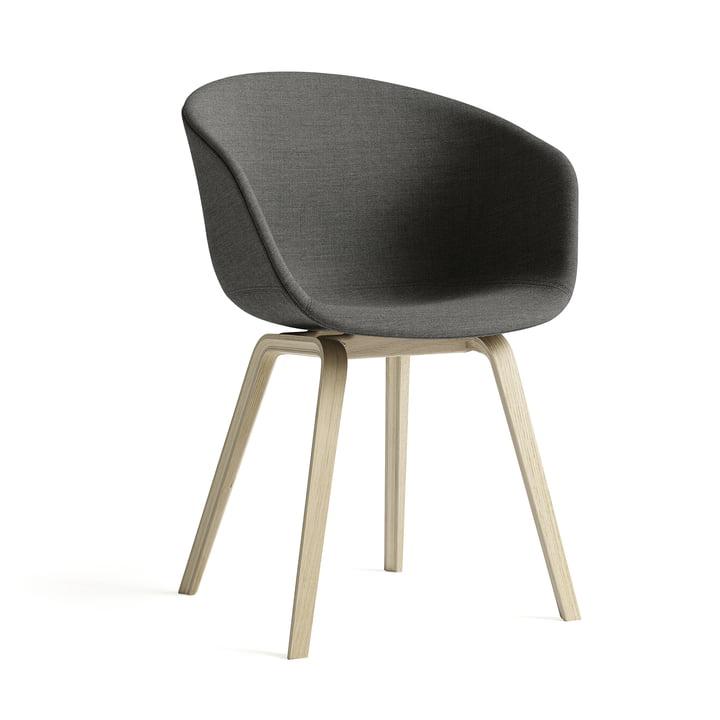 About A Chair AAC 23 von Hay in Eiche geseift / Vollpolster dunkelgrau (Remix /163)