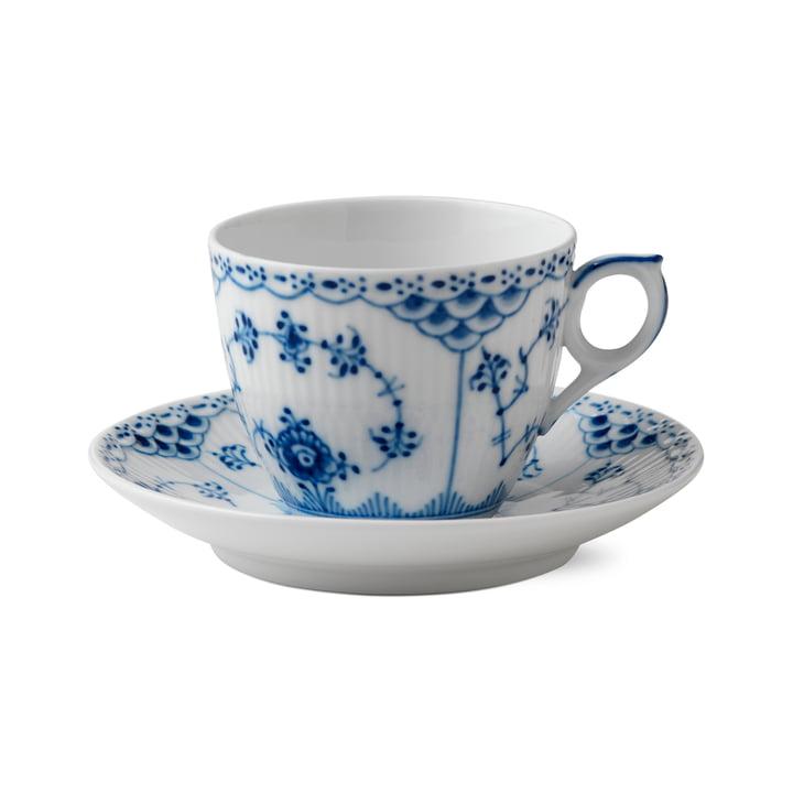 Musselmalet Halbspitze Tasse mit Untertasse 17 cl in weiß / blau von Royal Copenhagen