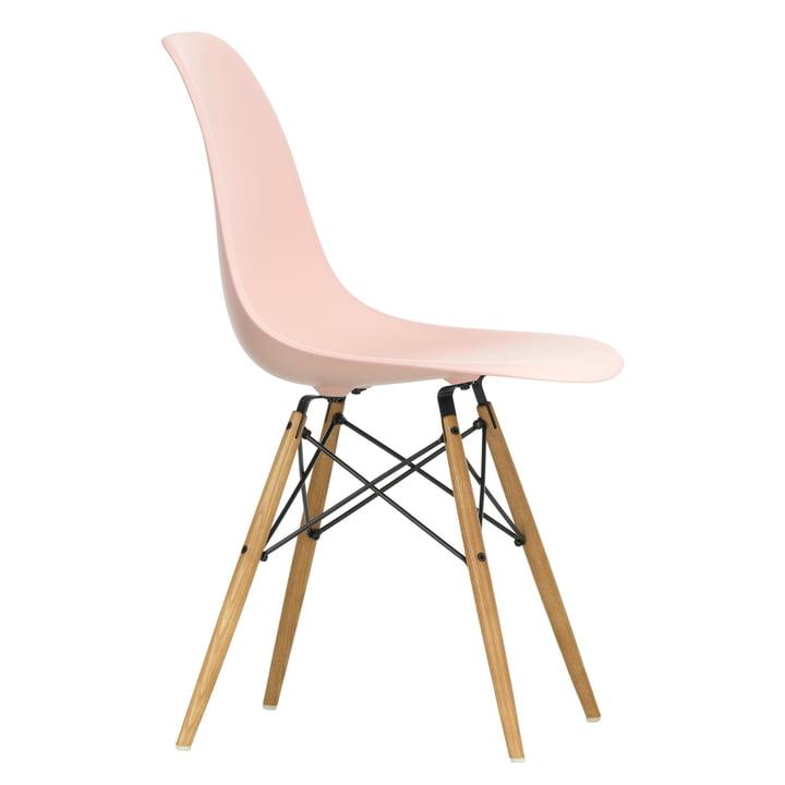 Eames Plastic Side Chair DSW von Vitra in Ahorn gelblich / zartrosé
