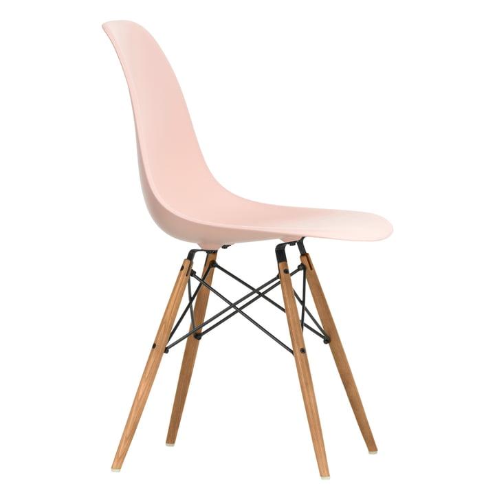 Eames Plastic Side Chair DSW von Vitra in Esche honigfarben / zartrosé
