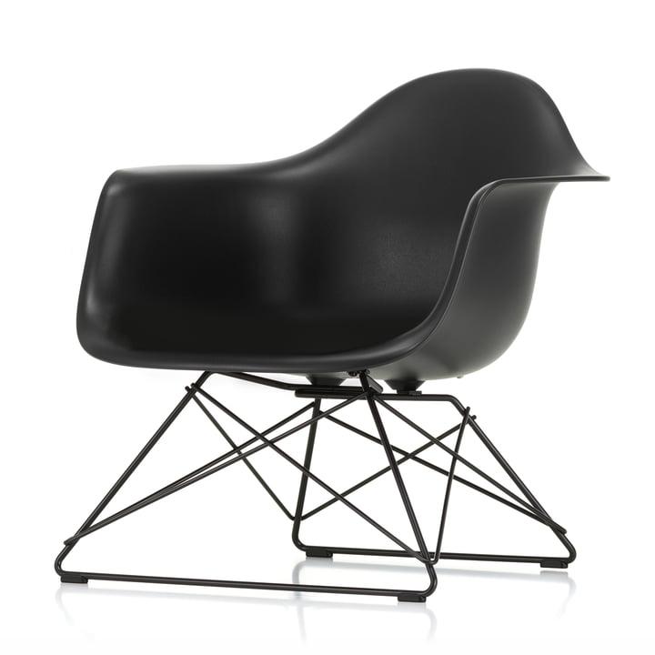 Eames Plastic Armchair LAR von Vitra in basic dark / tiefschwarz