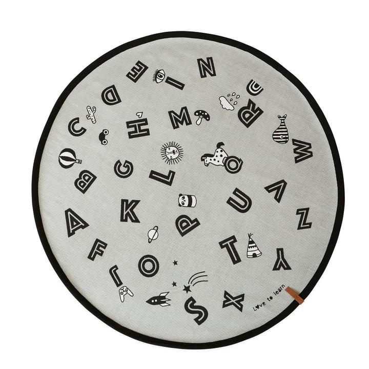 Alphabet Spielteppich Ø 120 cm in grau von OYOY