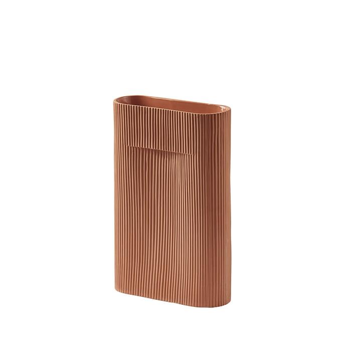Ridge Vase H 35 cm von Muuto in terrakotta