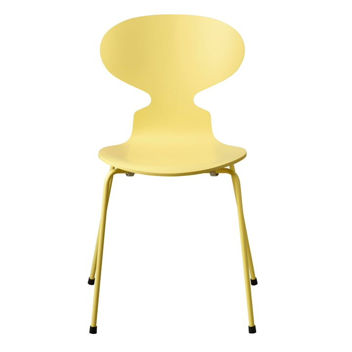 Die Ameise Stuhl Monochrom von Fritz Hansen in pale yellow (4 Beine)