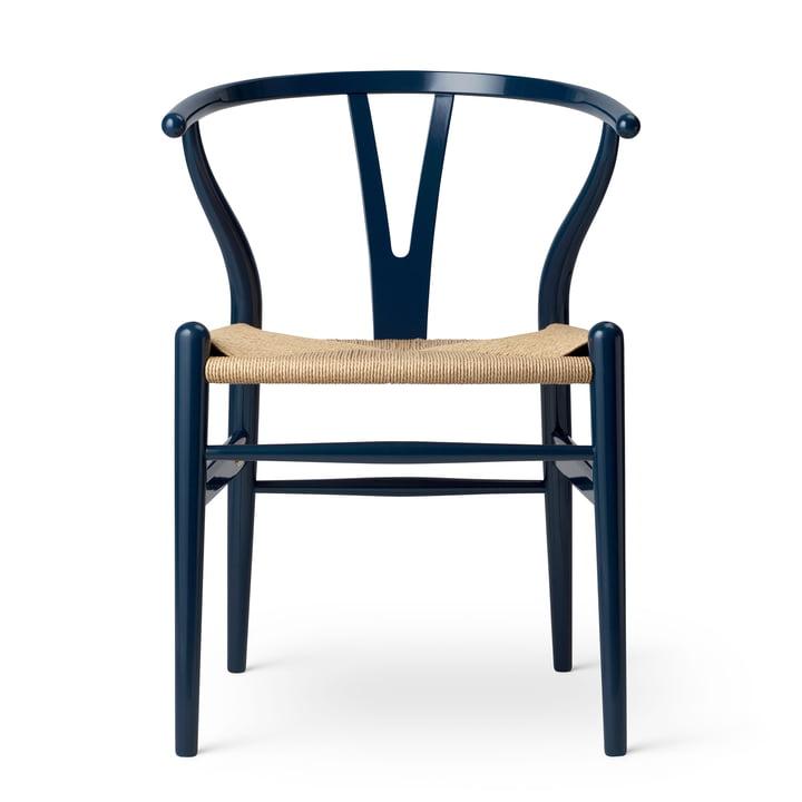CH24 Wishbone Chair von Carl Hansen in Buche Glossy Navy Blue / Naturgeflecht (Limited Birthday Edition)