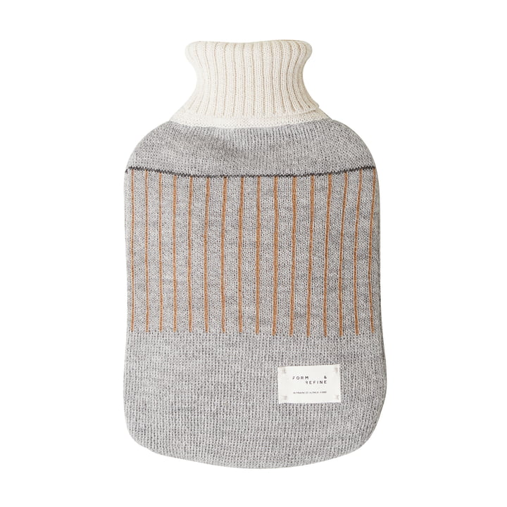 Aymara Wärmflasche, gemustert grau von Form & Refine