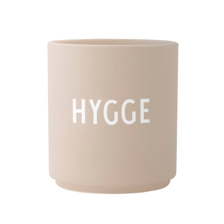Der AJ Favourite Porzellan Becher, Hygge / beige von Design Letters