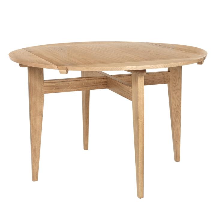 B-Table Ø 116 cm, Eiche matt lackiert von Gubi