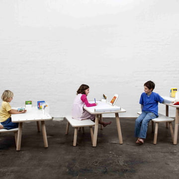 Der Growing Table Tisch mit Bank von Pure Position