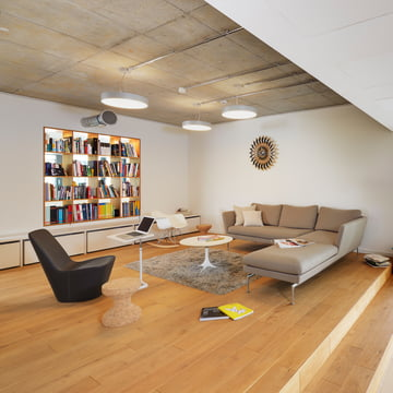 Cork Family Hocker, Monopod Sessel und Suita Sofa 3-Sitzer von Vitra