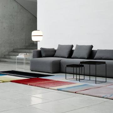 Tray Table und Mags Soft Sofa von Hay