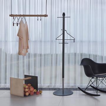 Pencil Garderobe, Container und Swing Hängegarderobe von LindDNA