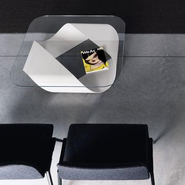 Couchtisch in Weiß mit Glasplatte für den Wohn- & Objektbereich