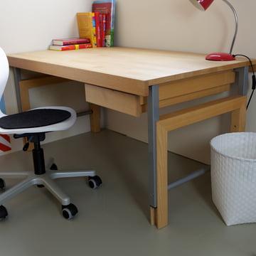 Höhenverstellbarer Schreibtisch mit Schublade
