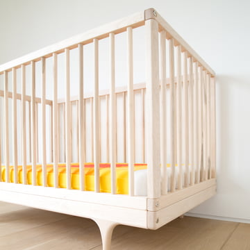 Babybett Caravan Crib aus FSC-zertifiziertem europäischem Ahorn