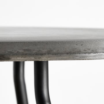 Soround Side Table mit Faserbeton
