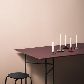 Mingle Tischplatte und Untergestell mit Cast Iron Kerzenhalter