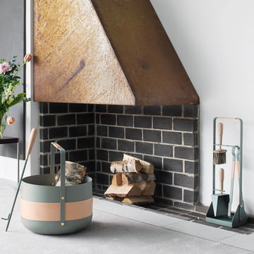 Kaminbesteck, Holzkorb und Blasrohr von Eldvarm