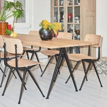 Pyramid Tisch von Hay mit Result Stühlen