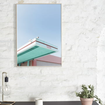 Paper Collective - Los Angeles is Pink 01 über dem Tisch platziert