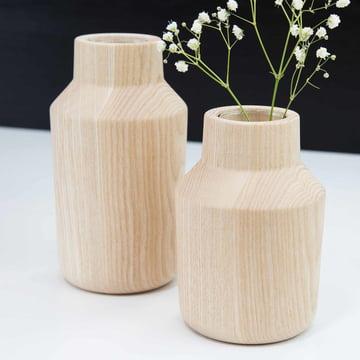 Die kommod - Klava Vase in esche (2er-Set) mit Blumen