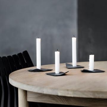 Der Northern - Drift Kerzenhalter auf dem Tisch