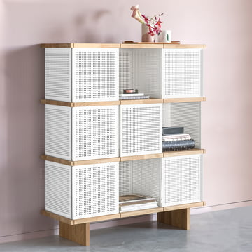 Das Konstantin Slawinski - YU Shelf 3 x 3, weiß perforiert / Eiche geölt